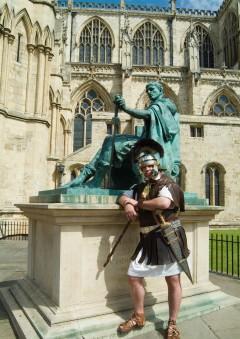 Constantin, keiser Konstantin den store, York, Yorkshire, middelalder, katedral, The York Minster, vikinger, vikingtid, romere, romertid, Konstantin den Store, angelsaksere, England, Storbritannia