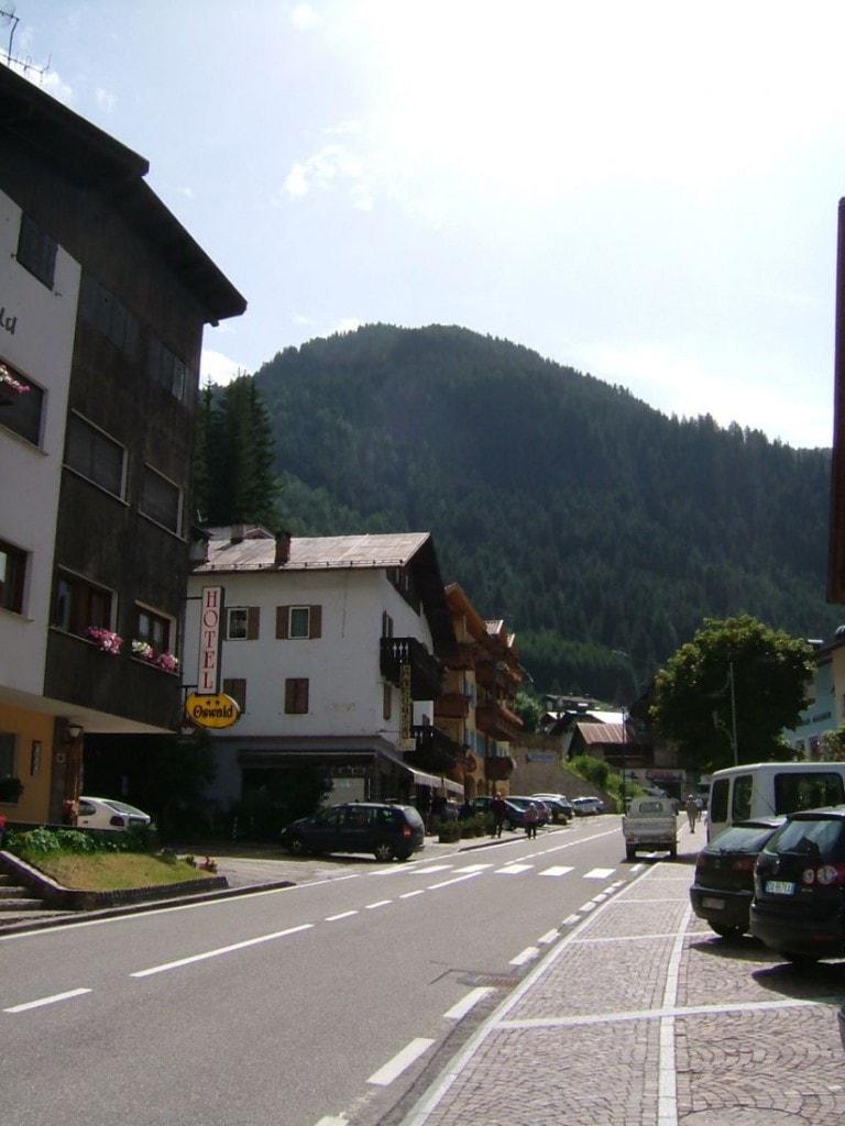 Italia, Dolomittene, Canazei