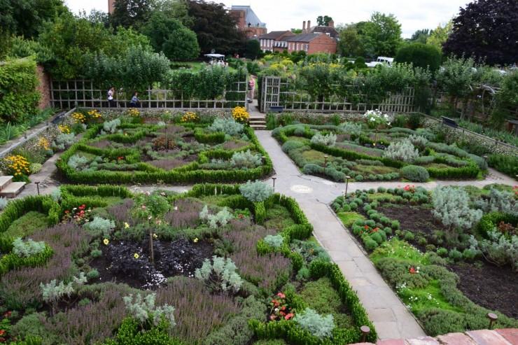 Hagen er stor, og eiendommen var Stratfords største i privat eie på Shakespeares tid. Foto: © ReisDit.no