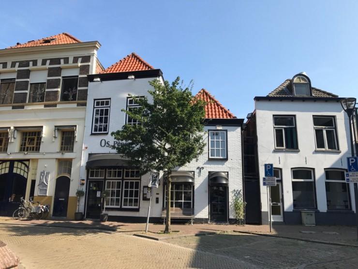 Typisk bebyggelse i Zwolles gamleby. Foto: © ReisDit.no