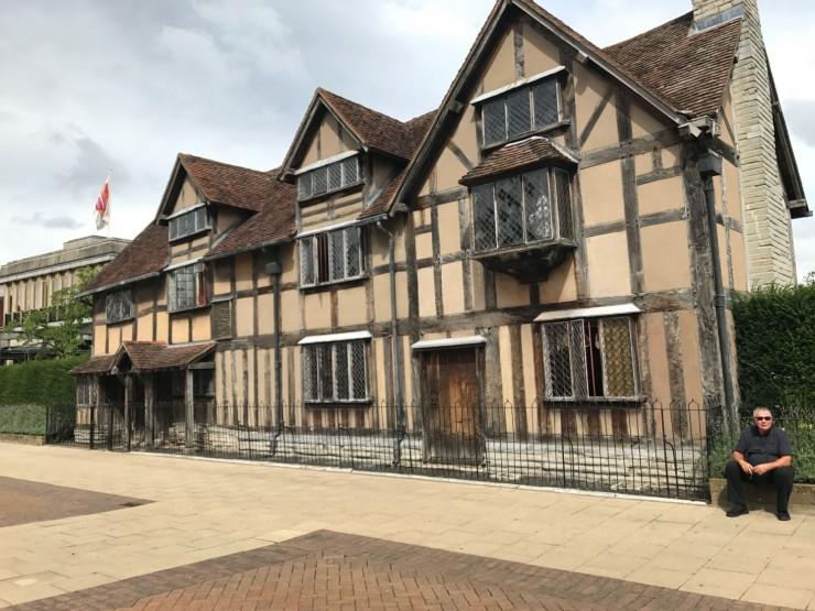 Her ble verdens mest berømte forfatter født: Shakespear's Birthplace fra 1500-tallet. Foto: © ReisDit.no