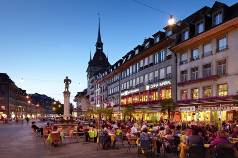 Waisenhausplatz, byporten Käfigturm, Altstadt, Bern, Nord-Sveits, Sveits