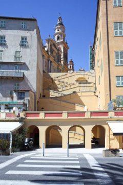 kirker, gamlebyen, Menton, Alpes Maritimes, Provence, Cote d'Azur, Sør-Frankrike, Frankrike
