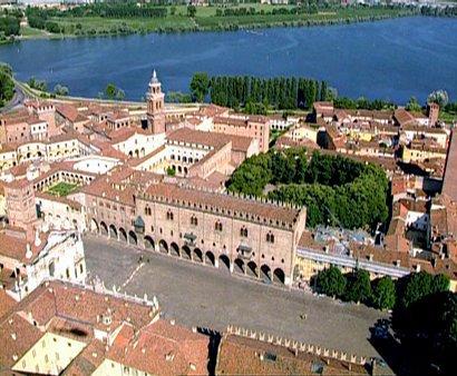 Piazza Sordello, Palazzo del Capitano, Palazzo Ducale, Mantova, Lombardia, Nord-Italia, Italia