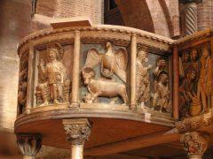 Duomos dekorerte prekestol i marmor, Modena, Emilia Romagna, Nord-Italia, Italia