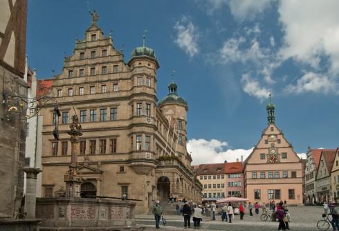 Georgsbrunnen, Marktplatz, Rothenburg ob der Tauber, Bayern, Sør-Tyskland, Tyskland