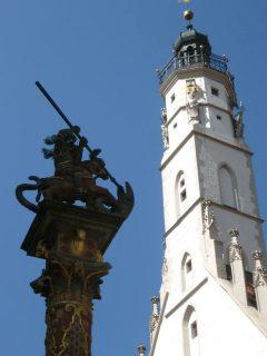 rådhustårnet og St Georg som dreper dragen, Rothenburg ob der Tauber, Bayern, Sør-Tyskland, Tyskland
