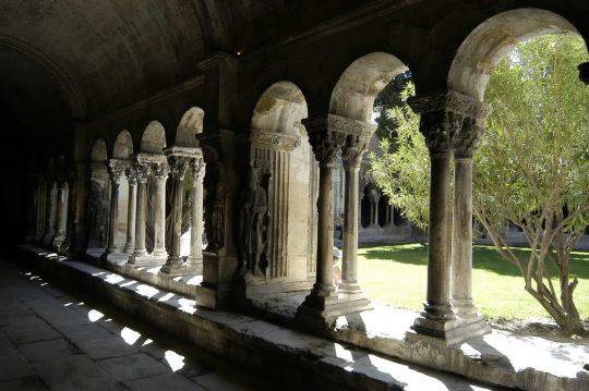 Cloitre, klostergang, St Tropheme, Arles, Provence, Sør-Frankrike, Frankrike
