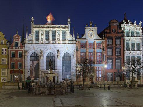 Den hvite Artus-hallen, Det gylne huset , Neptun-fontenen, Gdansk, gamlebyen Stare Miasto, nybyen Glowne Miasto, markedsplass en Dlugi Targ, Ulica Dluga, historisk bydel, middelalder, Nord-Polen, Polen