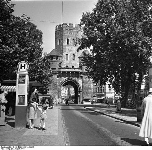 Altstadt, Byporten Severinstorburg fra middelalderen, Köln, Nordrhein-Westfalen, Vest-Tyskland, Tyskland