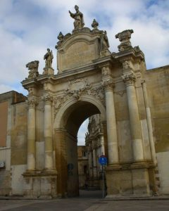 Porta Rudiae fra år 1703, Lecce, Puglia, Sør-Italia, Italia