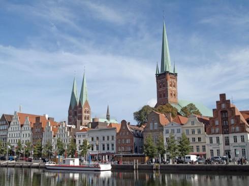 Lübeck, Trave, Østersjøen, middelalder, Europäisches HanseMuseum, Backsteinsgotik, Ostsee, Unesco Verdensarv, Gamlebyen, Altstadt, Rathaus, Hansestadt Lübeck, Schiffergesellschaft, Holstentor, Burgtor, Mecklenburg Vorpommern, Nord-Tyskland