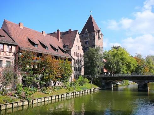 Pegnitz ved Schuldturm og Heubrücke, Nürnberg, Bayern, Unesco Verdensarv, Altstadt, Historisk, Middelalder, Marktplatz, Sør-Tyskland, Tyskland