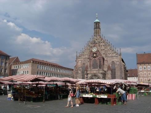 Hauptmarkt med den gotiske Frauenkirche, Nürnberg,Bayern, Unesco Verdensarv, Altstadt, Historisk, Middelalder, Marktplatz, Sør-Tyskland, Tyskland