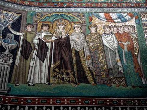 Keiserinne Theodora med sitt hoff. Veggmosaikk fra kirken San Vitale, oppført år 548. Unesco, Ravenna, Emilia-Romagna, Nord-Italia, Italia