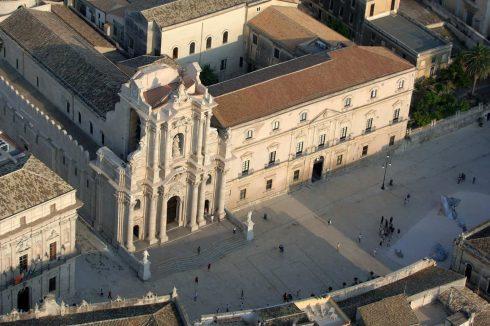 Duomo, Athene-tempel 400 f Kr, Ortigia, Siracusa, Sicilia, Italia