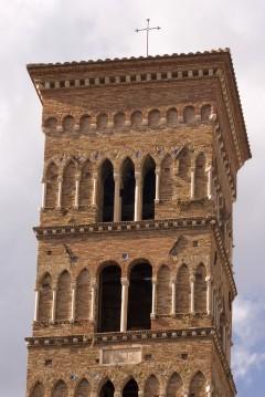 Campanilen til Terracinas Duomo, sicilansk-normannisk romansk stil, Terracina, Lazio, Midt-Italia, Italia