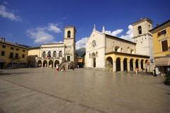 Piazza San Benedetto, kirken San Benedetto, rådhuset, Norcia, gamleby, middelalder, romansk, historisk, Umbria, Midt-Italia, Italia