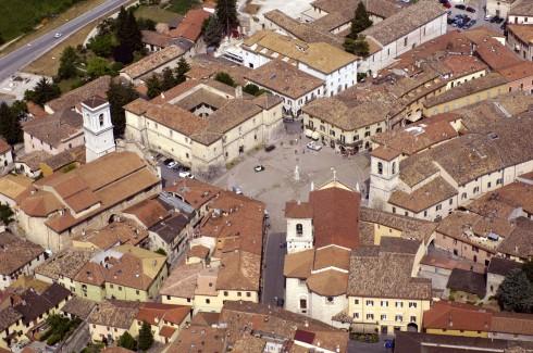 Piazza San Benedetto, Norcia, gamleby, middelalder, romansk, historisk, Umbria, Midt-Italia, Italia