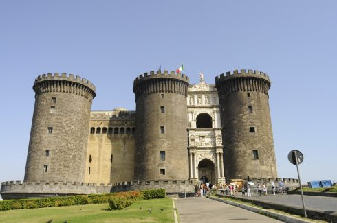 Castelnuovo , Napoli, renessanse, normannere, middelalder, Unescos liste over Verdensarven, historisk bydel, gamleby, Campania, Sør-Italia, Italia