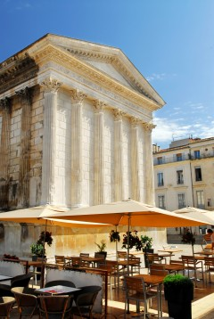 Nimes, romersk tempel, Maison Carée, romertid, akvedukt, amfiteater, Provence, Cote d'Azur, Sør-Frankrike, Frankrike