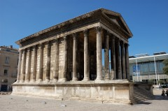 Maison Carrée, Norman Fosters Carrée d'Art, Nimes, romertid, akvedukt, amfiteater, Provence, Cote d'Azur, Sør-Frankrike, Frankrike