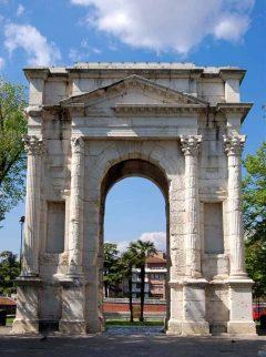 Verona, Arco Gavi, Arena, Piazza delle Erbe, Piazza Signori, Piazza Bra, Unescos liste over Verdensarven, romerriket, antikken, historiske bydeler, gamlebyen, Veneto, Nord-Italia, Italia