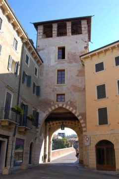 Verona, Ponte Pietra, Arena, Piazza delle Erbe, Piazza Signori, Piazza Bra, Unescos liste over Verdensarven, romerriket, antikken, historiske bydeler, gamlebyen, Veneto, Nord-Italia, Italia