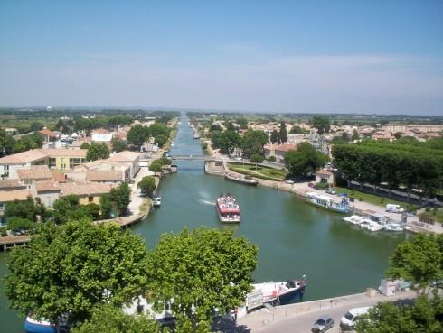 Canal du Rhone et Sete, som er tilknyttet Canal du Midi, Aigues Mortes, camargues, Sør-Frankrike, Frankrike