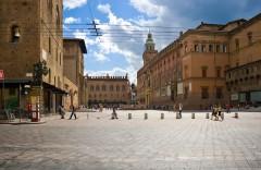Piazza Nettuno med Neptun-fontenen grenser til Piazza Maggiore, Bologna, Unescos liste over Verdensarven, middelalderen, historiske bydeler, gamlebyen, Emilia-Romagna, Nord-Italia, Italia