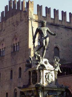 Neptun-fontenen fra år 1566 på Piazza del Nettuno, Bologna, Unescos liste over Verdensarven, middelalderen, historiske bydeler, gamlebyen, Emilia-Romagna, Nord-Italia, Italia