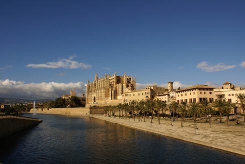 Parque de la Mar og Palmas middelalderkatedral, Mallorca, Balearene, Spania