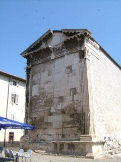 Augustus-tempelet, Pula, gamlebyen, historisk bysenter, romertid, amfiteater, Istria, Kroatia