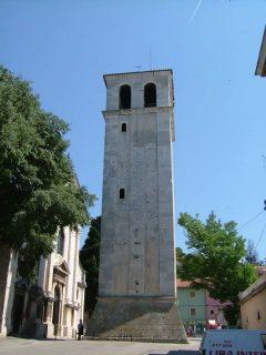 Katedralen Santa Maria, kampanilen, Pula, gamlebyen, historisk bysenter, romertid, amfiteater, Istria, Kroatia