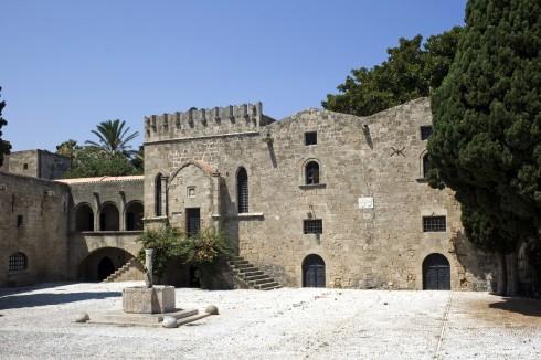 Rhodos, antikken, Korfarere, Johanitter-ridderne, Øyene, Hellas