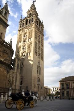 La Giralda, mudéjarstil, Sevilla, Catedral de Santa María de la Sede, Guadalquivir, Unescos liste over Verdensarven, historisk bydel, gamleby, Andalucia, Spania