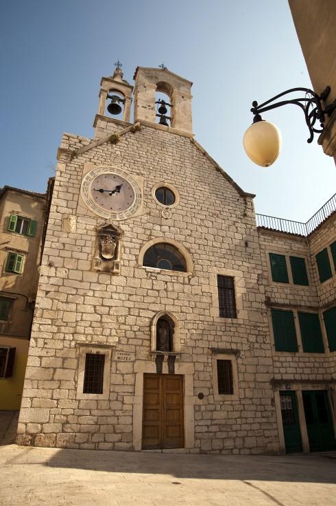 Middelalderkirken Santa Barbara, Sibenik, Adriaterhavet, gamlebyen, historisk bysenter, Unescos liste over Verdensarven, middelalder, renessanse, Zadarkysten og øyene, Kroatia