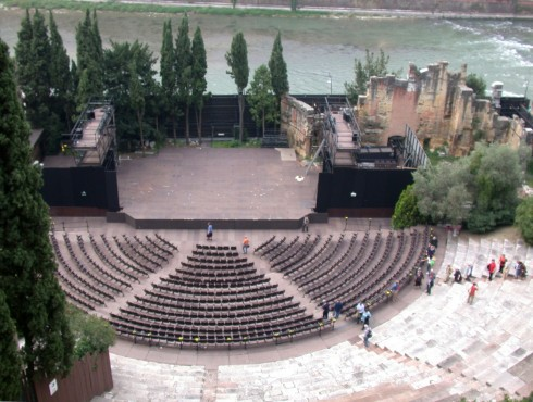 Verona, teatro Romano, Arena, Piazza delle Erbe, Piazza Signori, Piazza Bra, Unescos liste over Verdensarven, romerriket, antikken, historiske bydeler, gamlebyen, Veneto, Nord-Italia, Italia