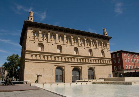 La Lonja, renessansestil, Zaragoza, Rio Ebro, Plaza del Pilar, Plaza César Augusto, Unescos liste over Verdensarven, historisk bydel, gamleby, Aragon, Madrid og innlandet, Spania