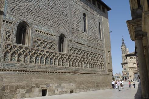 katedralen La Seo, mudejar-utsmykning, Zaragoza, Rio Ebro, Plaza del Pilar, Plaza César Augusto, Unescos liste over Verdensarven, historisk bydel, gamleby, Aragon, Madrid og innlandet, Spania