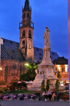 Walthers Platz, Duomo, Gamlebyen, Altstadt, Bolzano, Bozen, Alto Adige, Tyrol, Süd-Tirol, Nord-Italia, Italia