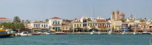 Aigina, Den vakre havnen i Aegina by, Athenområdet, Hellas