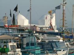 Aegina by - havnen med fiskerbåter, Athenområdet, Hellas