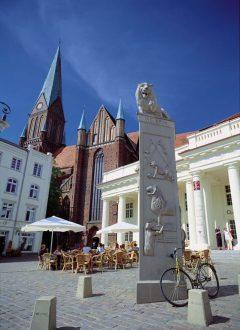 Schwerin Markt, Heinrich der Löwe, Nord-Tyskland