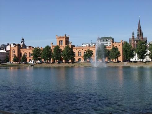 Schwerin, Pfaffenteich, Arsenal, Demmler, Mecklenburg-Vorpommern, Nord-Tyskland
