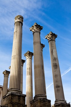 Spania, romersk tempelruin i Cordoba, Andalucia, Sør-Spania