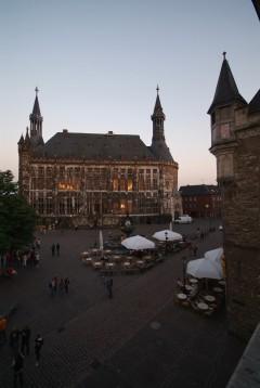 Aachen, Rathaus, Kaiserpfalz, Pfalzkapelle, Karl den Store, pilegrimsmål, karolingisk romansk arkitektur, tidlig middelalder, tidlig kristendom, skattkammeret, klosterhage, Unescos liste over Verdensarven, Vest-Tyskland