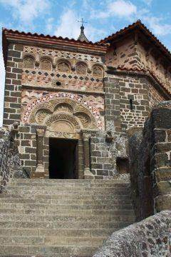 Le Puy en Velay, Chapel de St Michel d'Aguilhe, pilegrimsmål, romansk arkitektur, tidlig middelalder, tidlig kristendom, sort madonna, klosterhage, Unescos liste over Verdensarven, Massif Central, Sør-Frankrike