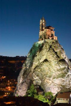 Le Puy en Velay, Chapel St Michel d'Aguilhe, pilegrimsmål, romansk arkitektur, tidlig middelalder, tidlig kristendom, sort madonna, klosterhage, Unescos liste over Verdensarven, Massif Central, Sør-Frankrike