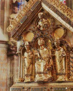 Aachen, Kaiserpfalz, Pfalzkapelle, Karl den Store, pilegrimsmål, karolingisk romansk arkitektur, tidlig middelalder, tidlig kristendom, skattkammeret, klosterhage, Unescos liste over Verdensarven, Vest-Tyskland